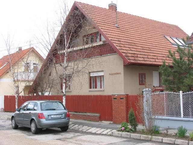 Eladó ikerház, Veszprém, Hársfa utca, 22.4 M Ft, 160 m²