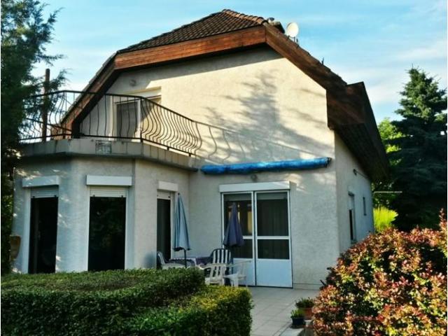 Budapest III. kerület Rómaifürdő eladó családi ház.